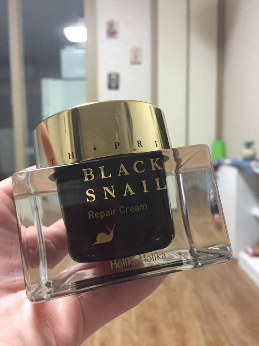 Review: Holika Holika Black Snail Repair Cream